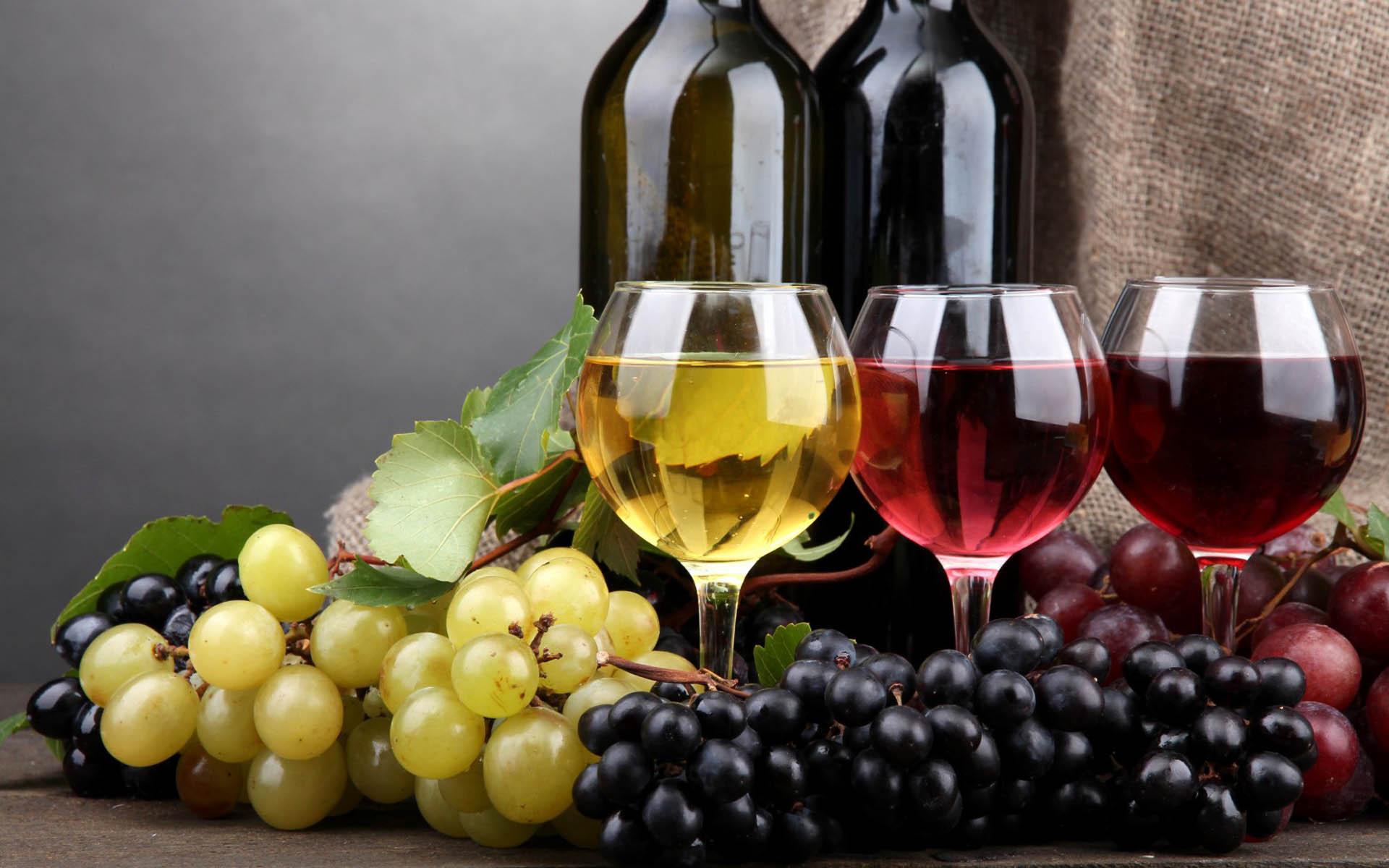 Vín í glösum